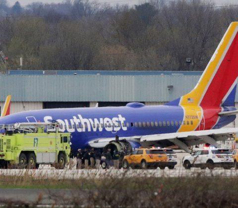 FAA Periksa Mesin Jet Setelah Gagal Mendarat Darurat
