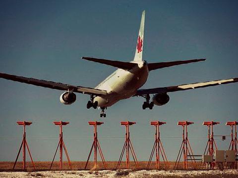 Seorang Suster Penumpang American Airlines Tewas Di Perjalanan