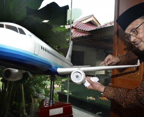 Habibie, Mr Crack Yang Menggemparkan Penerbangan Dunia